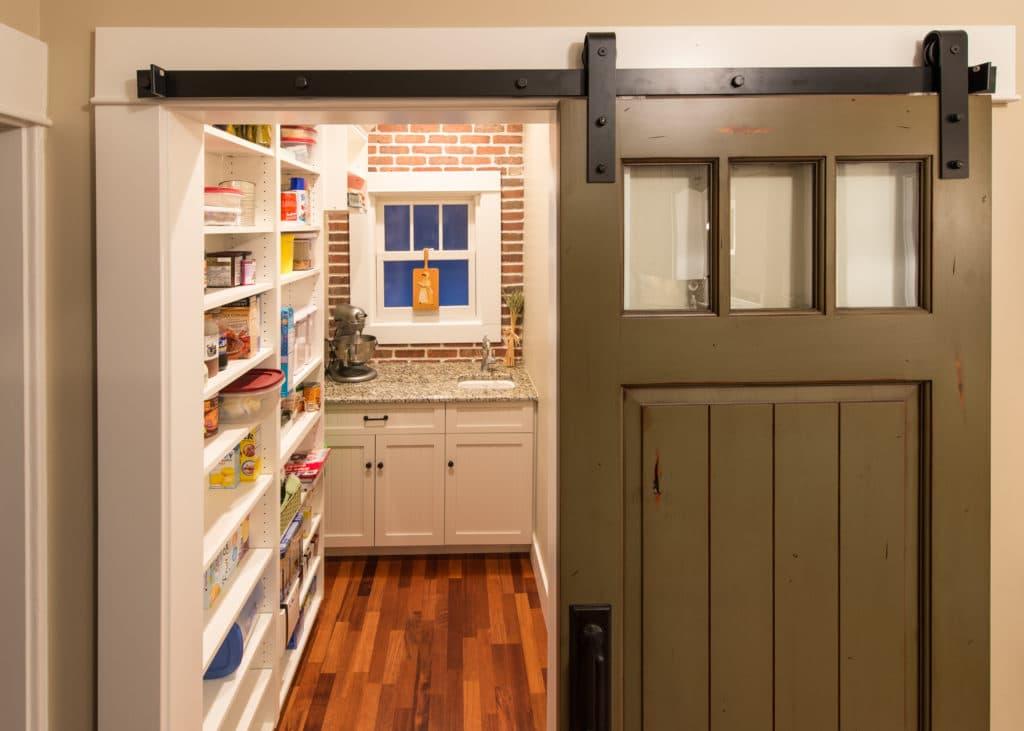 Раздвижные межкомнатные двери на кухню