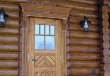двери в срубе